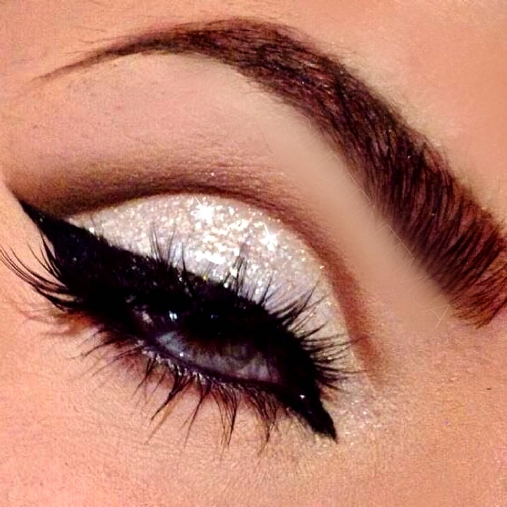 Lemonade Iced White Glitter Eye Shadow With High Definition